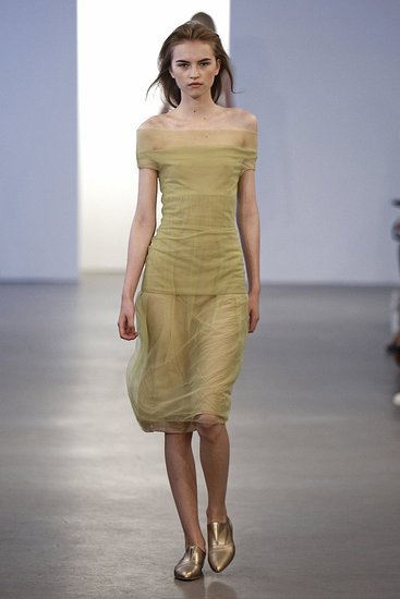calvin-klein-collection-w-resort-2010-nyc-060309-ph_lecca,dan-look-04.preview