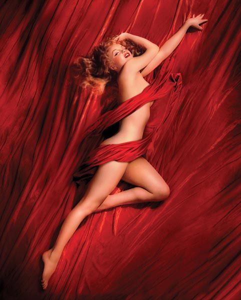 Marilyn_Monroe_-_Red_Silk