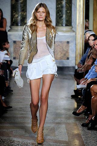 Model:  Constance Jablonski  Photo: Marcio Madeira - style.com